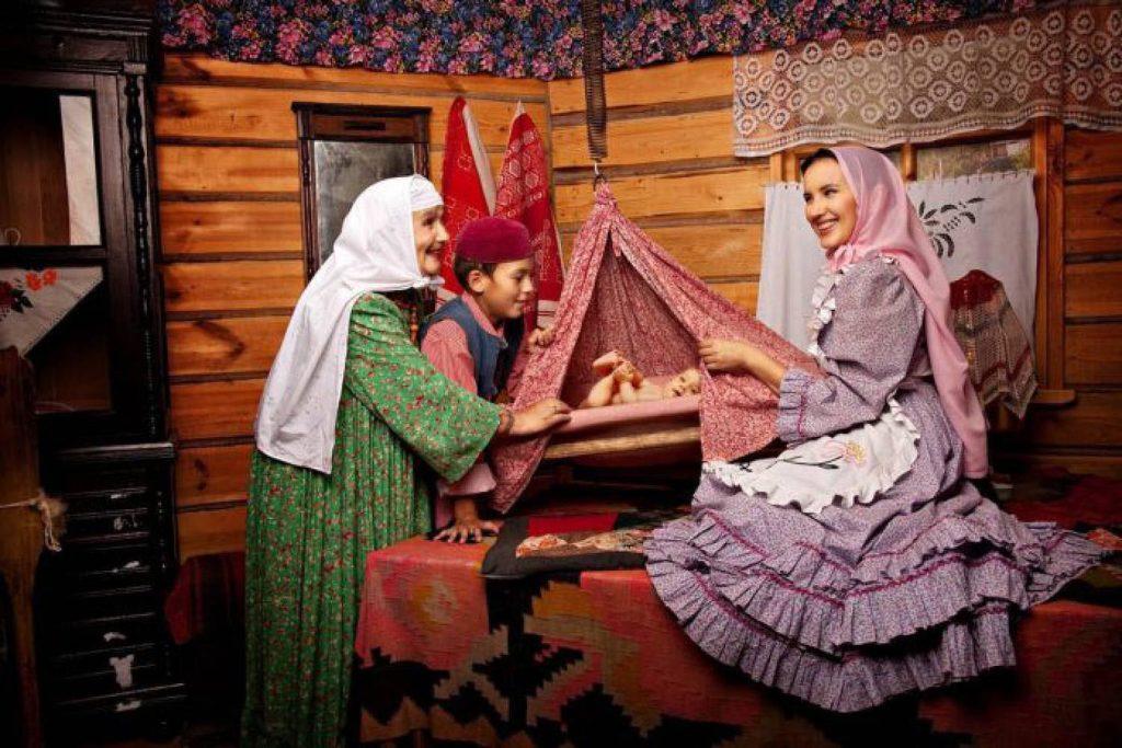Татарский младенец с мамой