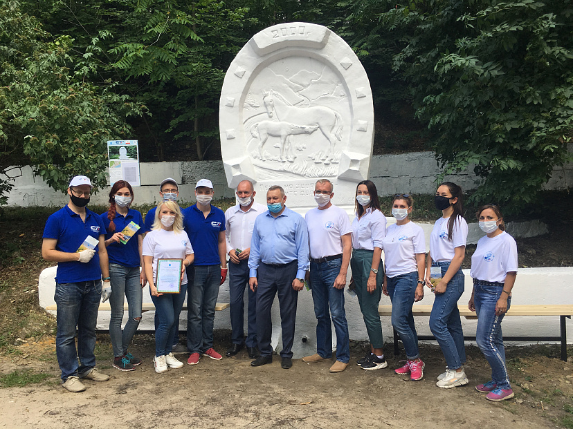 Саратовские студенты благоустроили Татарский родник в Кумысной поляне