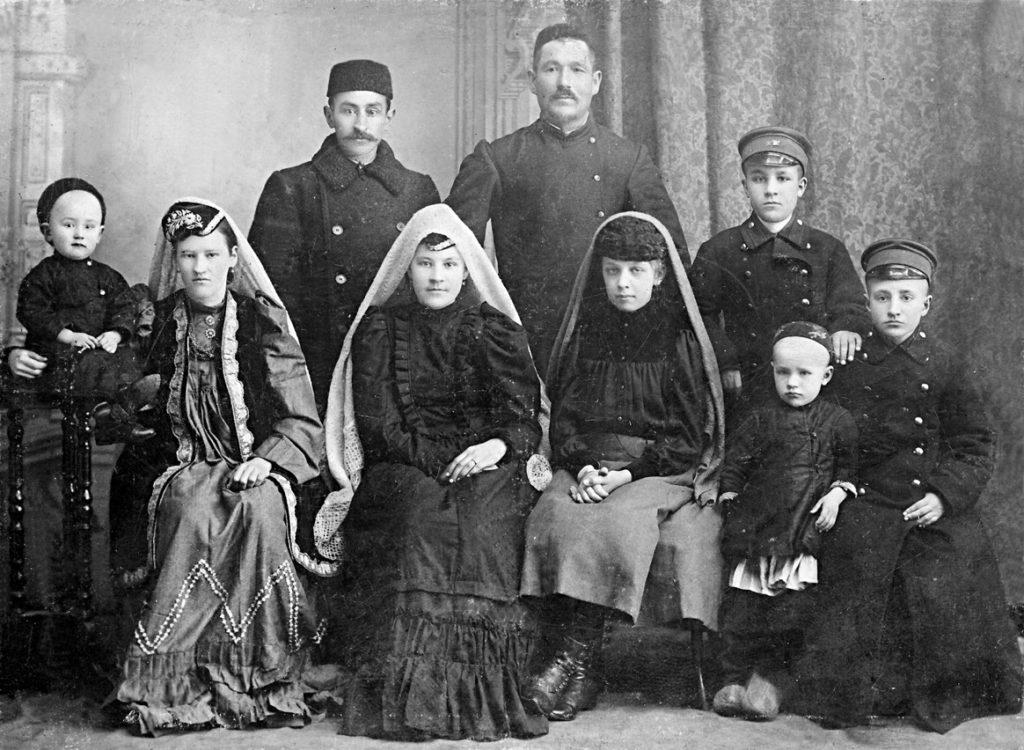 Татары - старинное семейное фото