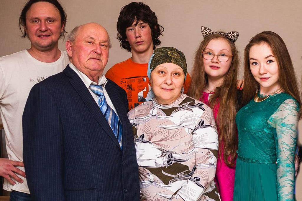 Рафаил Бакиров с семьей