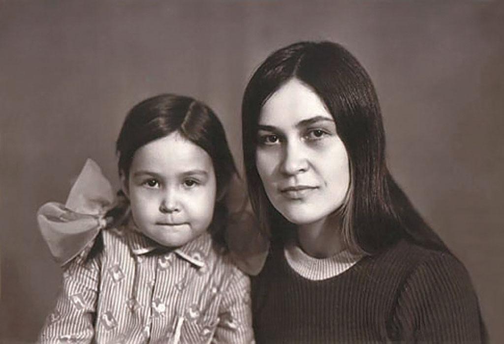 Наиля Шарифуллина с дочкой Гузель, 1978г.